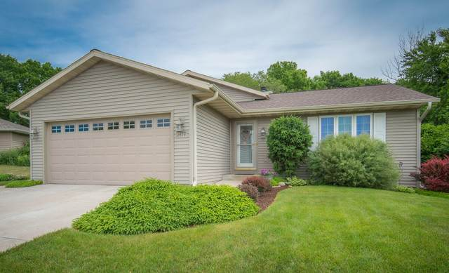 1419 Lower Forest Ct, West Bend, WI 53090 (#1744999) :: OneTrust Real Estate