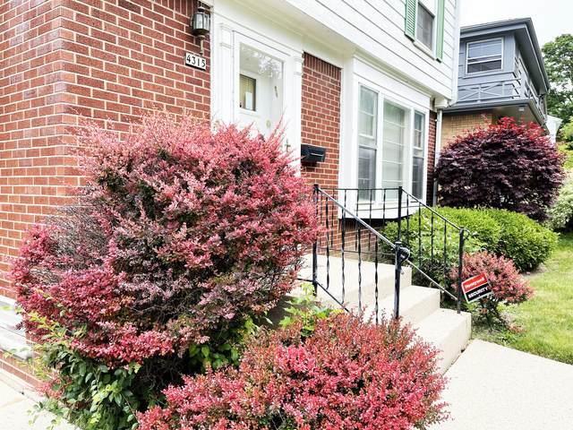 4315 N Wildwood Ave, Shorewood, WI 53211 (#1745145) :: Tom Didier Real Estate Team