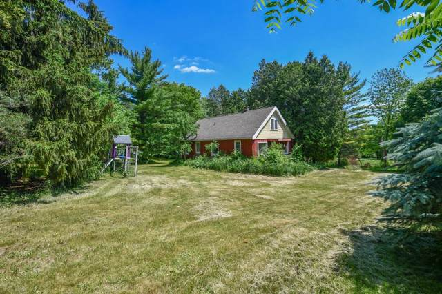 S74W20850 Field Dr, Muskego, WI 53150 (#1745152) :: RE/MAX Service First