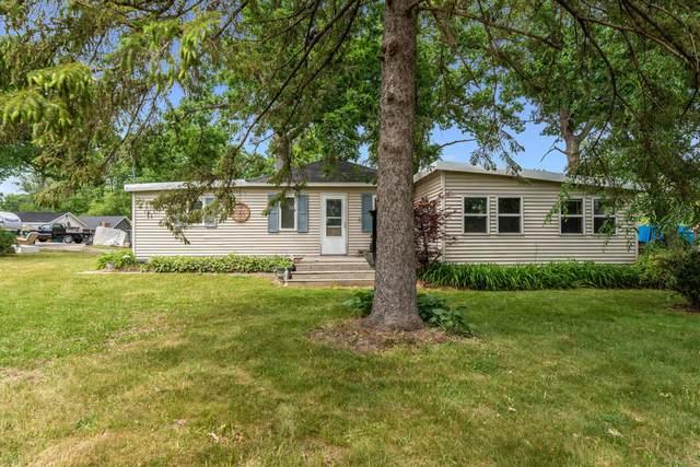 N1228 Sandalwood Dr, Bloomfield, WI 53128 (#1745186) :: OneTrust Real Estate