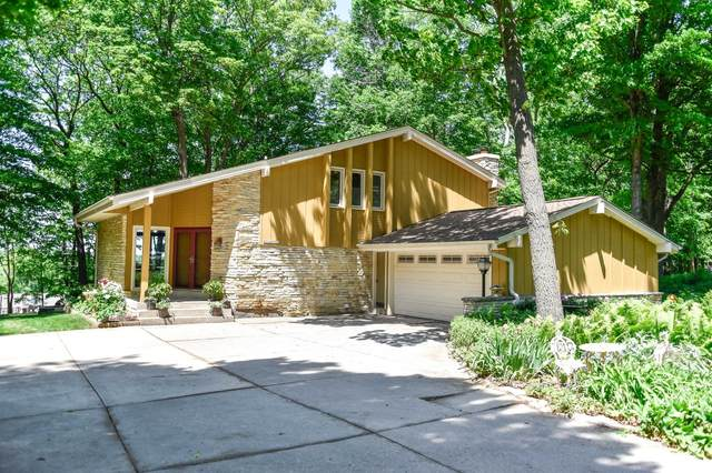 W224N7651 Wooded Hills Dr, Lisbon, WI 53089 (#1745256) :: RE/MAX Service First