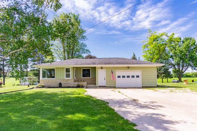 W5901 State Road 49, Chester, WI 53963 (#1745268) :: OneTrust Real Estate