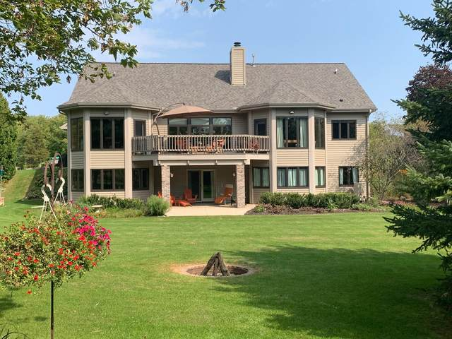 4411 Pleasant Hollow Rd, Jackson, WI 53037 (#1745331) :: OneTrust Real Estate