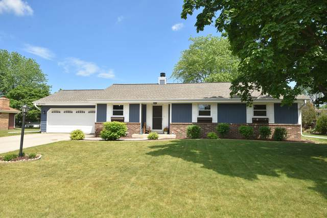 W164N11006 Squire Dr, Germantown, WI 53022 (#1745405) :: OneTrust Real Estate