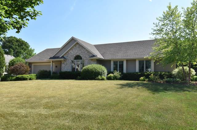 8949 S Red Wing Dr, Franklin, WI 53132 (#1745410) :: OneTrust Real Estate