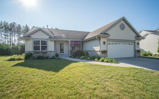 W142N9802 Amber Dr, Germantown, WI 53022 (#1745457) :: OneTrust Real Estate