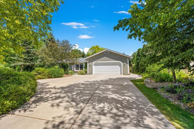 W207S7960 Hillendale Dr, Muskego, WI 53150 (#1745541) :: Keller Williams Realty - Milwaukee Southwest