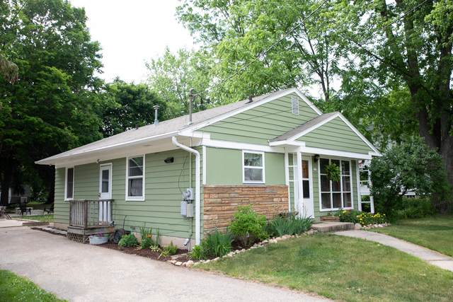 223 Wood St, Walworth, WI 53184 (#1745666) :: OneTrust Real Estate