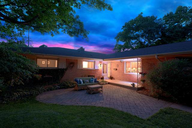 819 N 72nd St, Wauwatosa, WI 53213 (#1745681) :: RE/MAX Service First