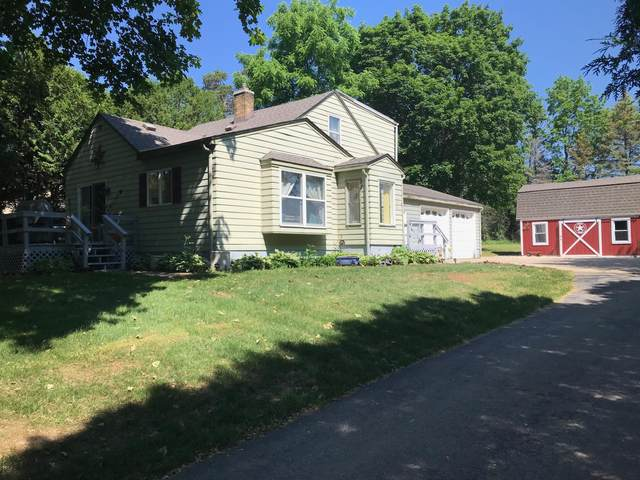 N50W7050 Western Rd, Cedarburg, WI 53012 (#1745693) :: OneTrust Real Estate