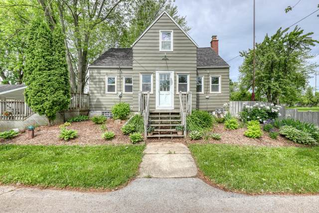 N108W18051 Lilac Ln, Germantown, WI 53022 (#1745708) :: OneTrust Real Estate