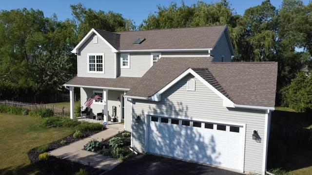 33 W Sedgemeadow St., Elkhorn, WI 53121 (#1745775) :: OneTrust Real Estate