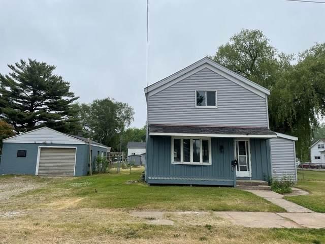 323 Cushman St, Marinette, WI 54143 (#1745863) :: Tom Didier Real Estate Team