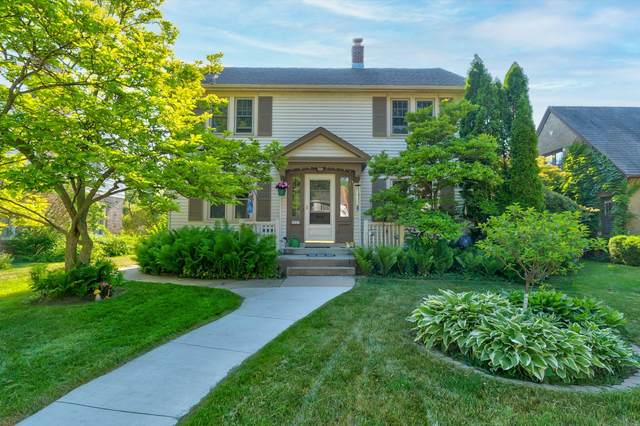 4823 N Bartlett Ave, Whitefish Bay, WI 53217 (#1745909) :: Tom Didier Real Estate Team