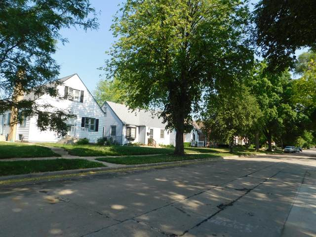 4425 N 66, Milwaukee, WI 53218 (#1746021) :: OneTrust Real Estate