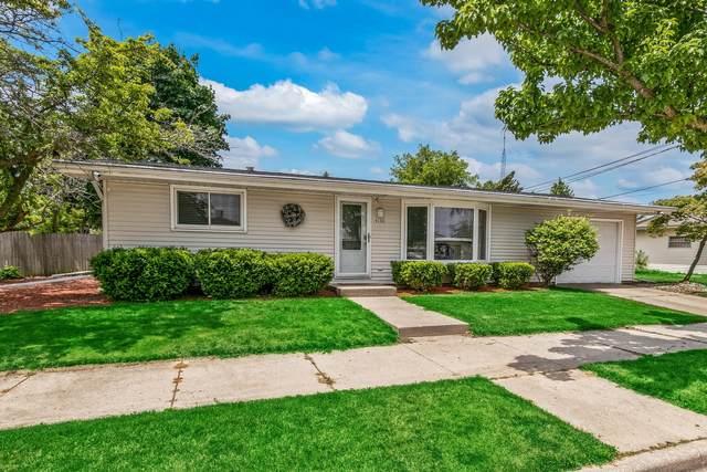 4130 Saint Clair St, Racine, WI 53402 (#1746114) :: Tom Didier Real Estate Team