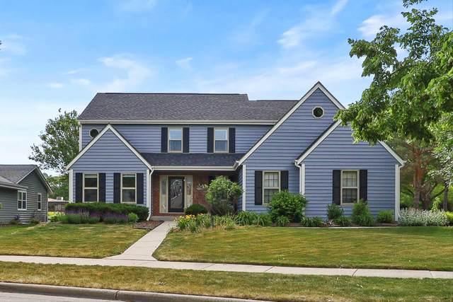 W68N336 Palmetto Ave, Cedarburg, WI 53012 (#1746159) :: Tom Didier Real Estate Team