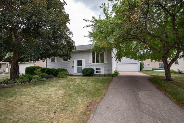 1216 La Crosse St, Onalaska, WI 54650 (#1746168) :: Tom Didier Real Estate Team