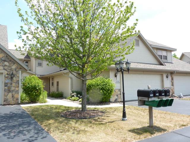 W200N16858 Park Ct 1-3, Jackson, WI 53037 (#1746220) :: Tom Didier Real Estate Team