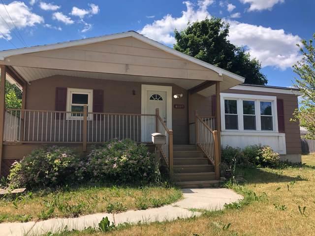 4019 53rd St, Kenosha, WI 53144 (#1746232) :: Tom Didier Real Estate Team