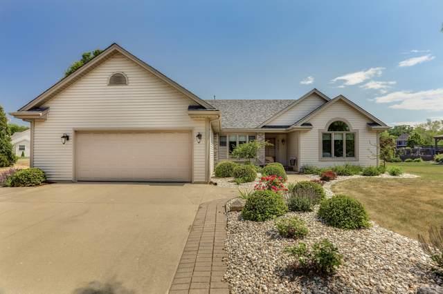 8429 E Ridge Dr, Pleasant Prairie, WI 53158 (#1746235) :: Tom Didier Real Estate Team