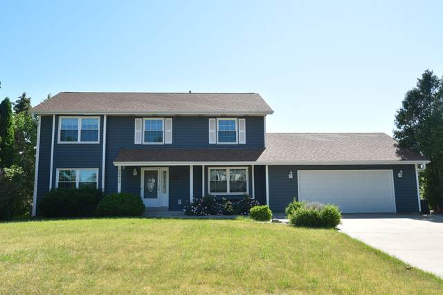3972 S 96th St, Greenfield, WI 53228 (#1746269) :: RE/MAX Service First