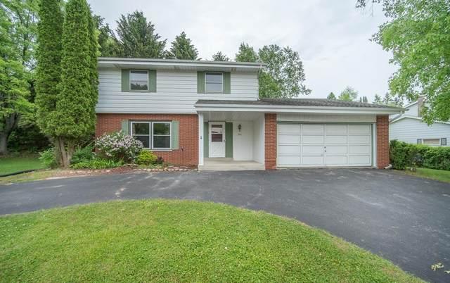 1576 Park View Ln, Port Washington, WI 53074 (#1746272) :: Tom Didier Real Estate Team