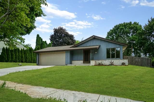 1621 Cedar St, Grafton, WI 53024 (#1746273) :: Tom Didier Real Estate Team