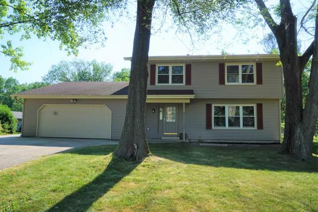 N8380 North St, Ixonia, WI 53036 (#1746383) :: Keller Williams Realty - Milwaukee Southwest