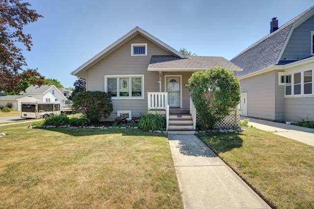 7003 18th Ave, Kenosha, WI 53143 (#1746515) :: EXIT Realty XL