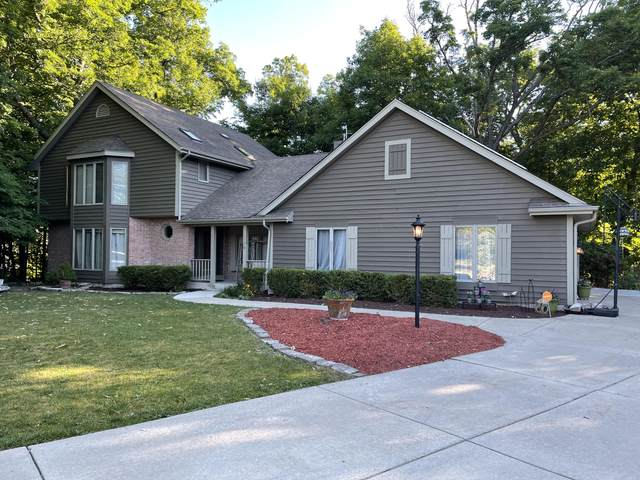 3532 S 121st Ct, Greenfield, WI 53228 (#1746546) :: Keller Williams Realty - Milwaukee Southwest