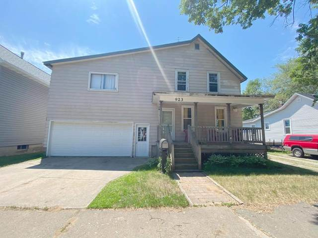 923 Parnell St, Marinette, WI 54143 (#1746633) :: EXIT Realty XL