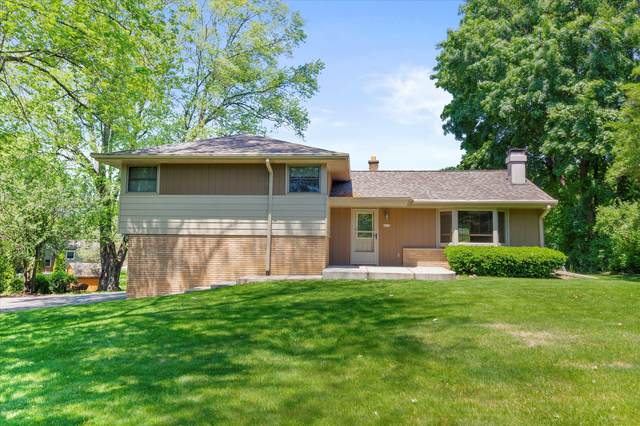 8930 W Edgerton Ave, Greendale, WI 53129 (#1746677) :: Keller Williams Realty - Milwaukee Southwest