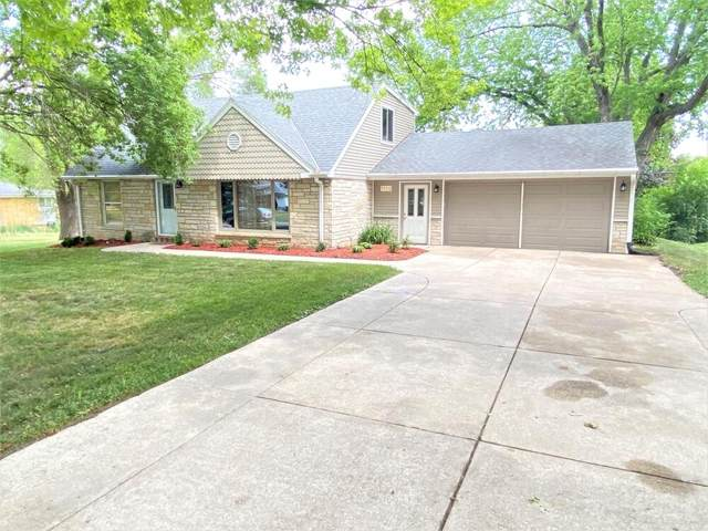1180 S Bobolink Dr, Brookfield, WI 53005 (#1746709) :: RE/MAX Service First