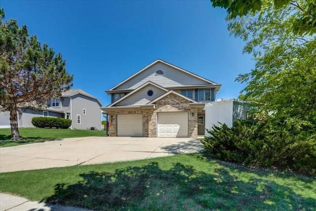 1253 Hillwood Blvd, Pewaukee, WI 53072 (#1746770) :: Keller Williams Realty - Milwaukee Southwest