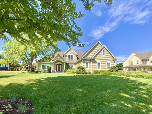 911 River Reserve Dr, Hartland, WI 53029 (#1746792) :: RE/MAX Service First