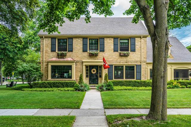 406 E Montclaire Ave, Whitefish Bay, WI 53217 (#1746873) :: Tom Didier Real Estate Team