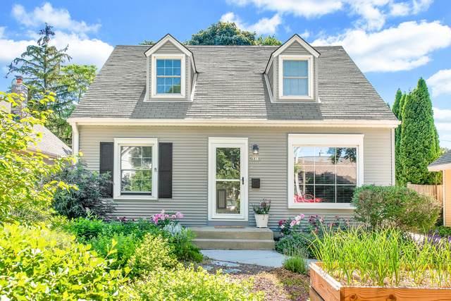 4818 N Berkeley Blvd, Whitefish Bay, WI 53217 (#1746934) :: Tom Didier Real Estate Team