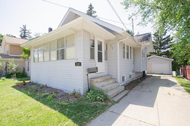 612 S Eleventh St, Watertown, WI 53094 (#1746994) :: RE/MAX Service First