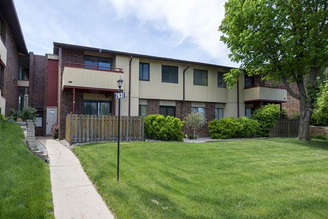 7931 S 68th St #307, Franklin, WI 53132 (#1747038) :: Keller Williams Realty - Milwaukee Southwest
