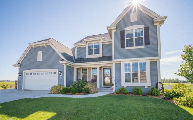 528 Emerald Hills Dr, Fredonia, WI 53021 (#1747063) :: Re/Max Leading Edge, The Fabiano Group