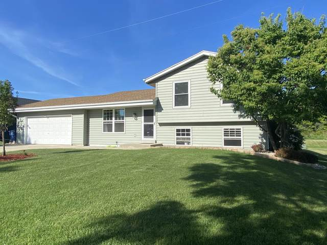 8606 S Maize Dr, Oak Creek, WI 53154 (#1747071) :: Keller Williams Realty - Milwaukee Southwest