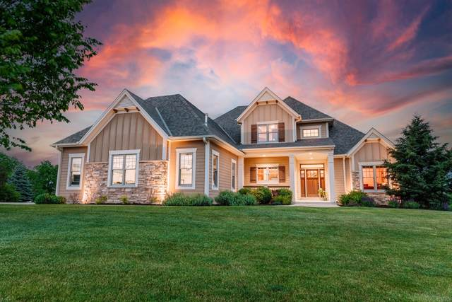 20150 Settler's Hollow Ln, New Berlin, WI 53146 (#1747097) :: RE/MAX Service First