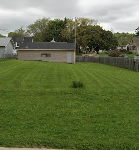 3701 S 33rd St, Greenfield, WI 53221 (#1747136) :: RE/MAX Service First