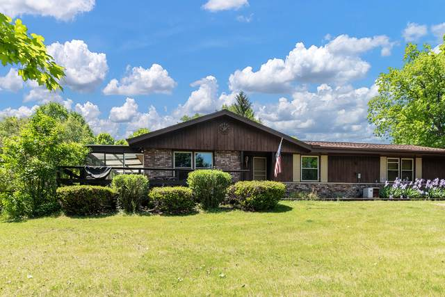 3681 Blue Goose Rd, Saukville, WI 53095 (#1747171) :: Tom Didier Real Estate Team