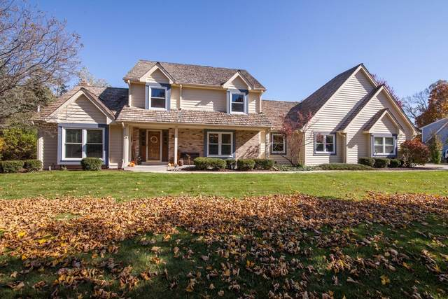 11800 N Lantern Ln, Mequon, WI 53092 (#1747174) :: RE/MAX Service First