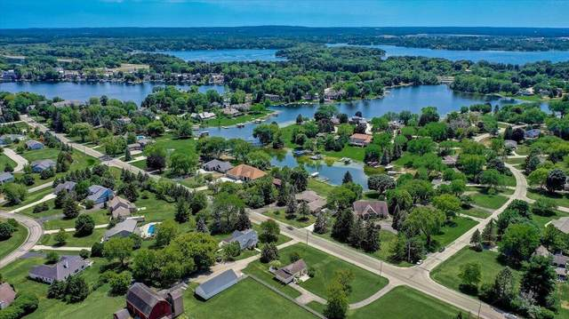 N52W35660 W Lake Dr, Oconomowoc, WI 53066 (#1747227) :: Keller Williams Realty - Milwaukee Southwest