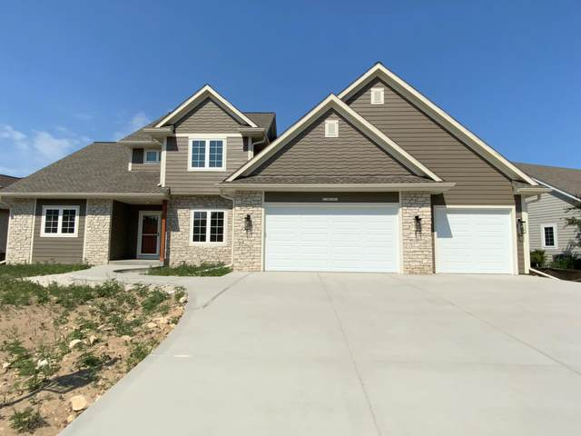 N77W23052 S Coldwater Cir, Sussex, WI 53089 (#1747232) :: RE/MAX Service First