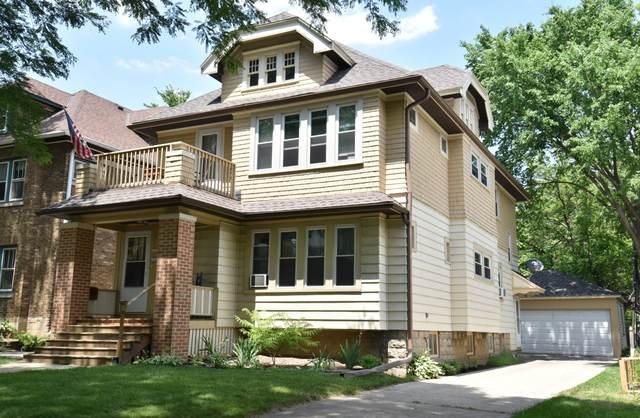 6622-6624 W Lloyd St, Wauwatosa, WI 53213 (#1747249) :: Keller Williams Realty - Milwaukee Southwest