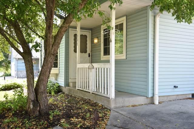 1001 W Finch Ln, Oak Creek, WI 53154 (#1747334) :: Keller Williams Realty - Milwaukee Southwest